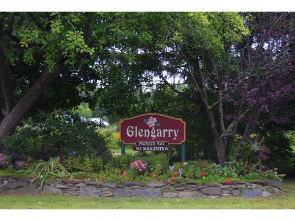 53 Glengarry Dr, Stratham, NH 03885