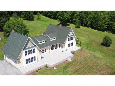 226 Old North Rd, Wilmot, NH 03287