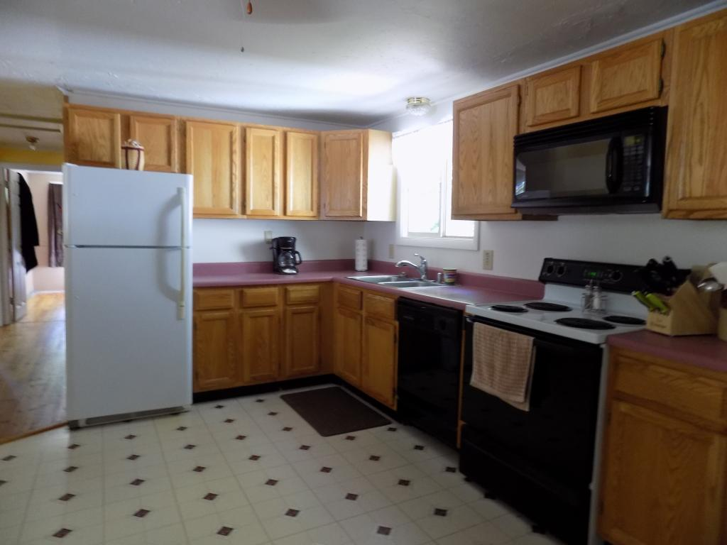 80 Woodland Grove Road, Conway, NH 03818