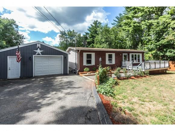 6 Pineview Ave, Plaistow, NH 03865