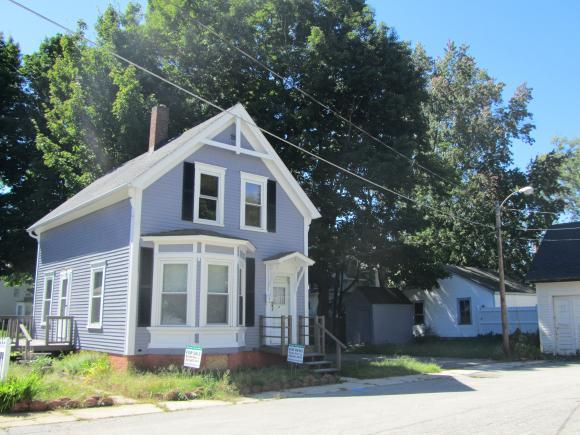 8 Clow Ct, Rochester, NH 03867