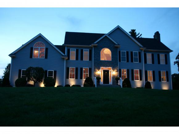 2 Dunraven Rd, Windham, NH 03087