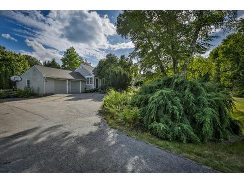 363 Pine Hill Rd, Hollis, NH 03049