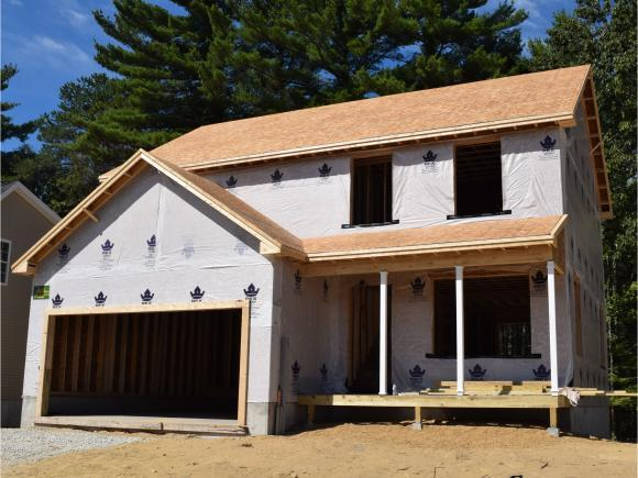 35 Millers Farm Dr, Rochester, NH 03868