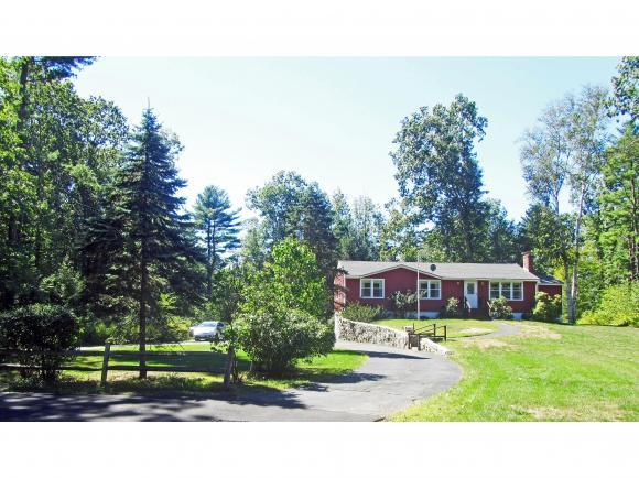 100 Patricia Dr, Portsmouth, NH 03801