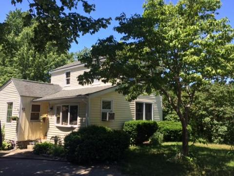 43 Dearborn Ave, Seabrook, NH 03874