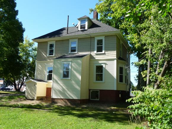 17 Cottage Street, Laconia, NH 03246