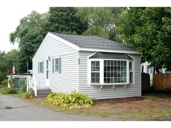 95 Acorn Rd, Hampton, NH 03842