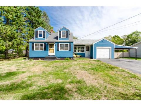 31 Pike St, Epping, NH 03042