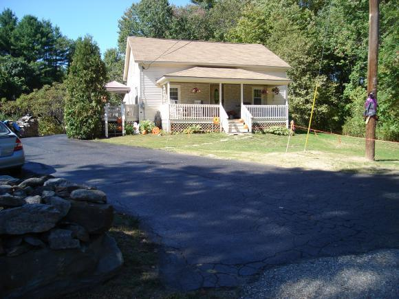 24 Norway Plains Rd, Rochester, NH 03868