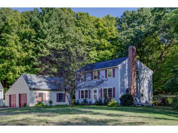 15 Campbell Dr, Hampton, NH 03842