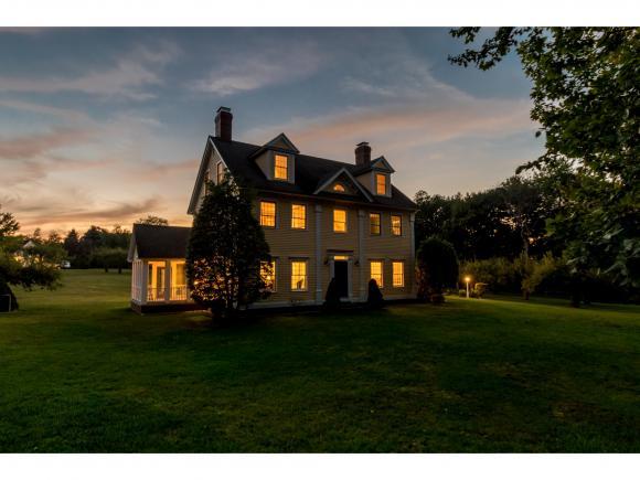 2 Baldwin Place, Hampton Falls, NH 03844