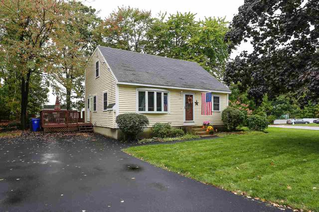 147 Green Acres Dr, Manchester, NH 03109