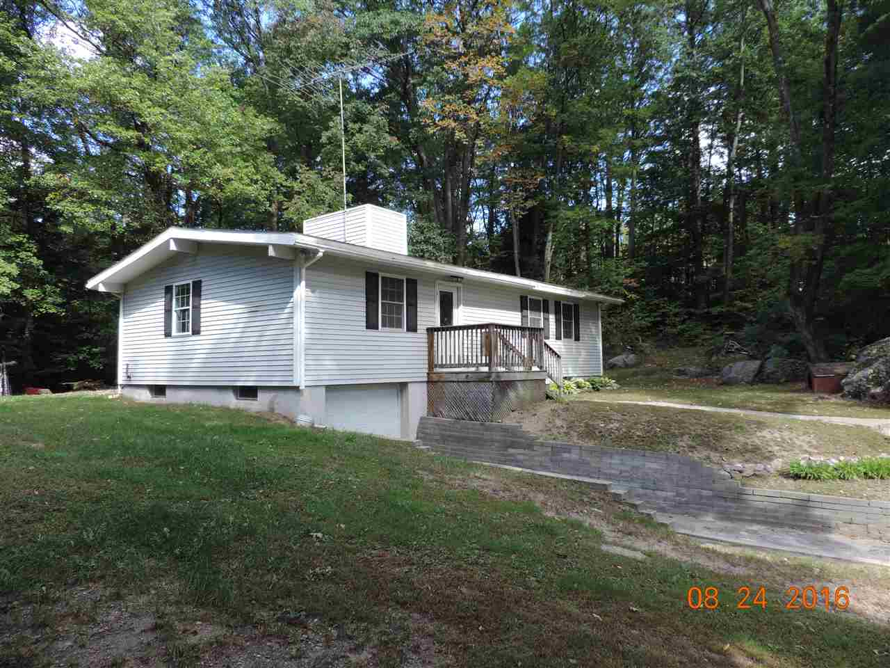 8 Kemp Road, Hillsborough, NH 03244