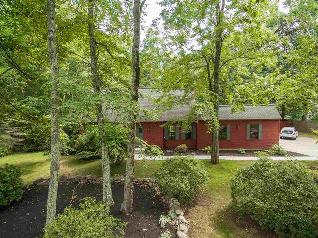 26 Wedgewood Dr, Londonderry, NH 03053