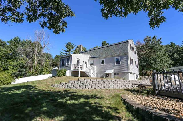 4 Richard Dr, Derry, NH 03038