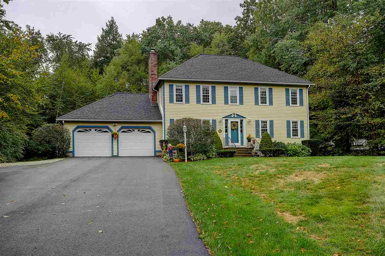 12 Westminster Dr, Londonderry, NH 03053