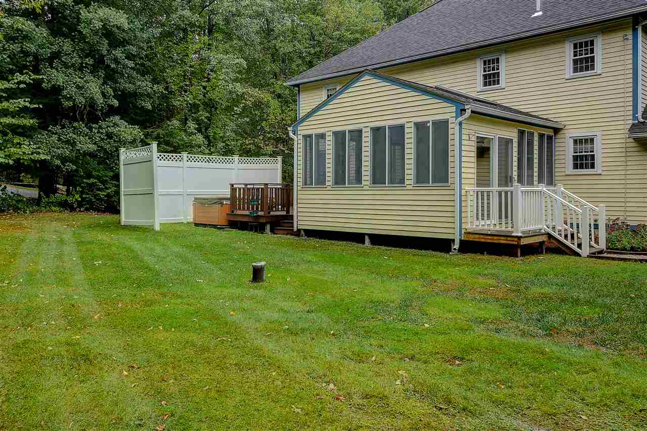 12 Westminster Drive, Londonderry, NH 03053