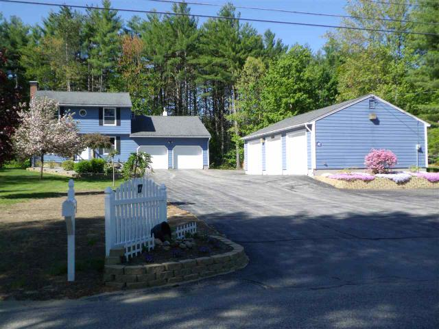 17 Evergreen Dr, Bow, NH 03304
