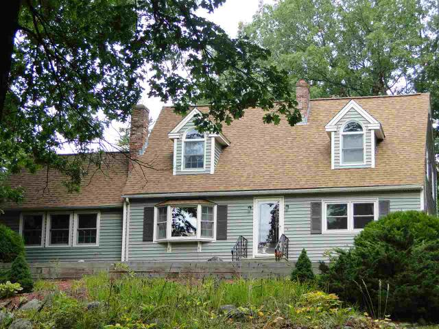16 Meadowview Dr, Newton, NH 03858