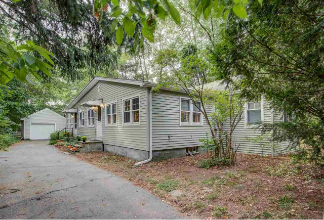 41 Pages Ln, Seabrook, NH 03874