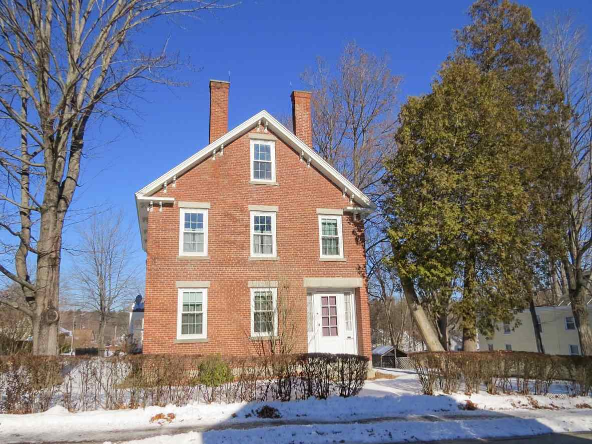 71 High St, Milford, NH 03055