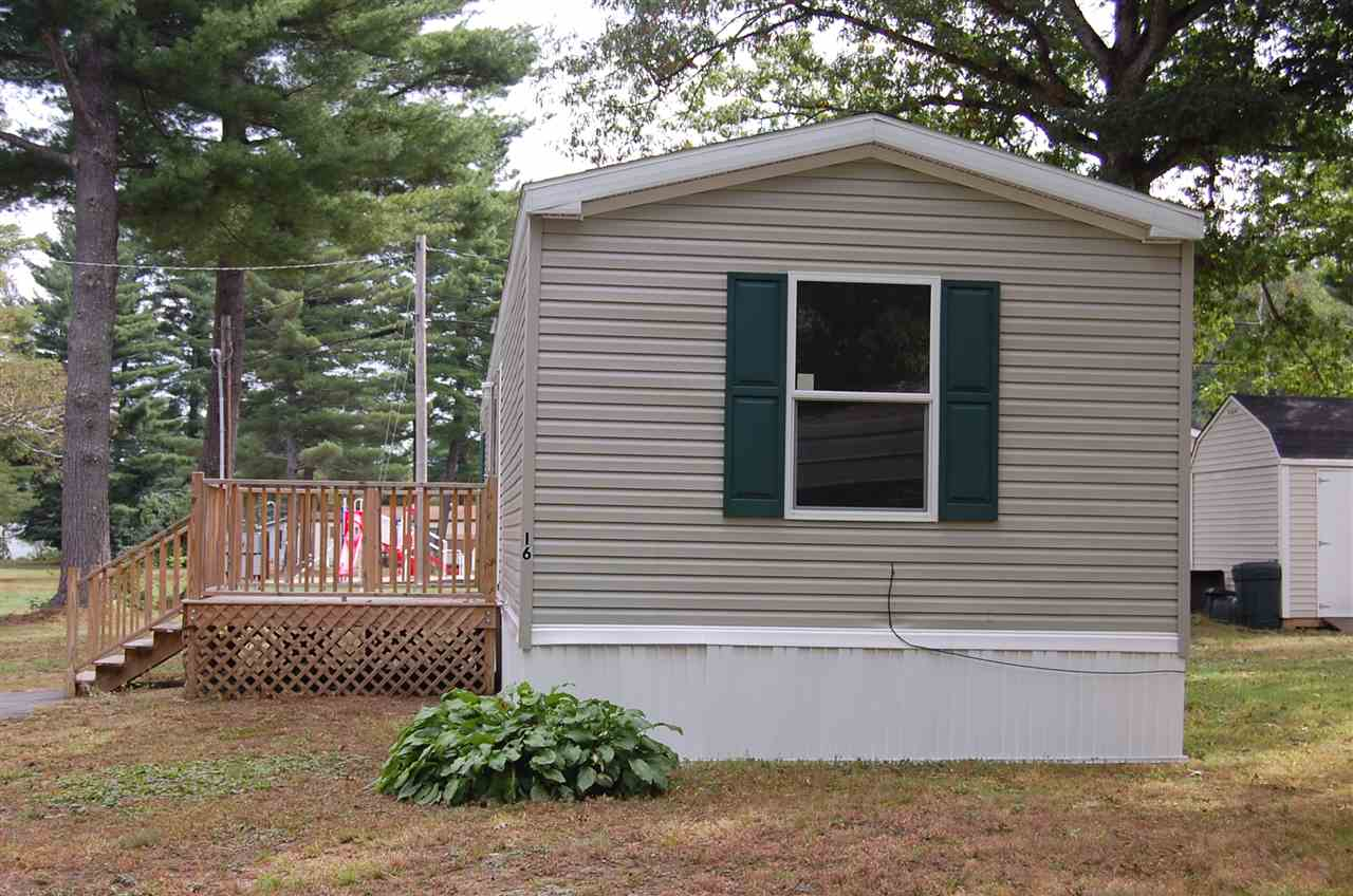 16 North St, Hinsdale, NH 03451