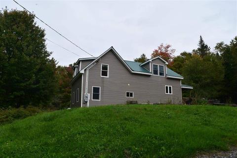 661 Cape Moonshine Rd, Piermont, NH 03779