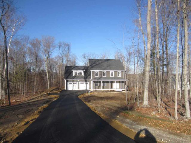 8 Cobbler Trl, Deerfield, NH 03037