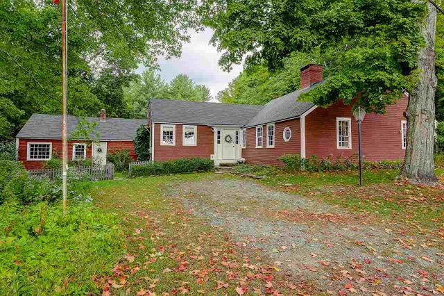 84 North Rd, Fremont, NH 03044