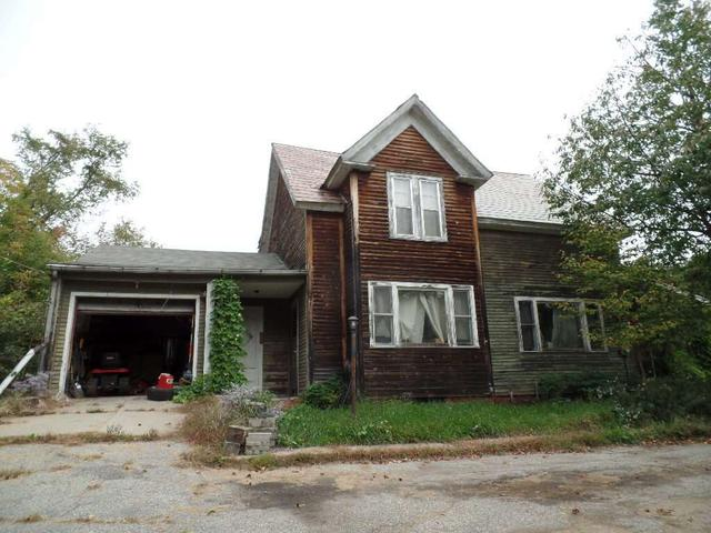 304 Hanover St, Claremont, NH 03743