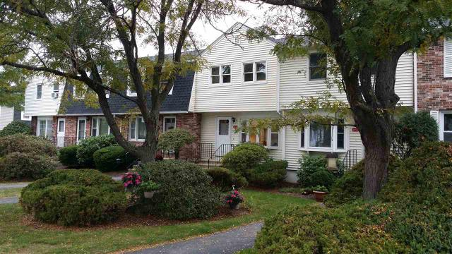 6 Oakwood Ln ## -4, Goffstown, NH 03045