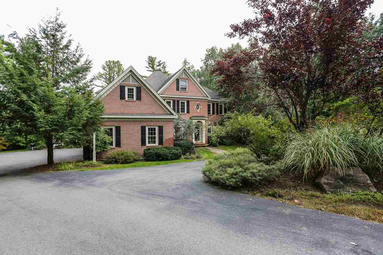 25 Cricket Hill Road, Bedford, NH 03110