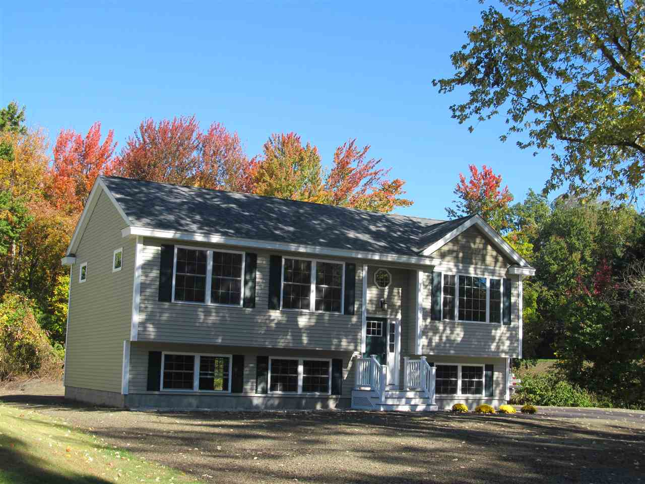 210 Mooresville Road, Manchester, NH 03109