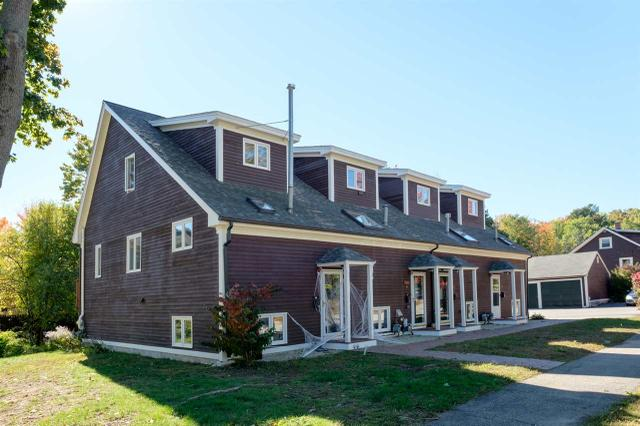 38 Ash St, Dover, NH 03820