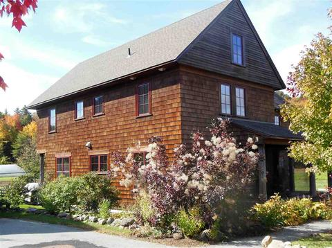 15 Village Ln # a, Peterborough, NH 03458