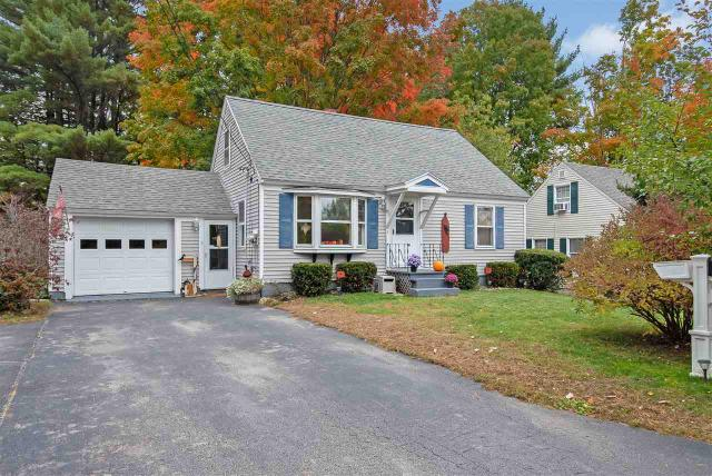 5 Woodlawn Rd, Rochester, NH 03867