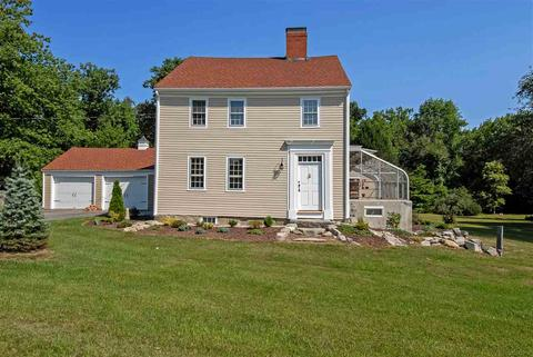 563 Exeter Road Rd, Hampton, NH 03842