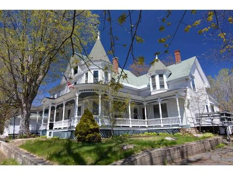 205 Washington St, Laconia, NH 03246