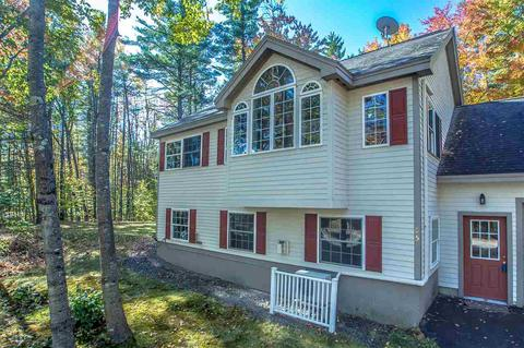 105 Robinwood Rd, Center Conway, NH 03813