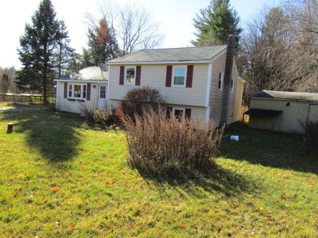 4 Ledgewood Dr, Derry, NH 03038