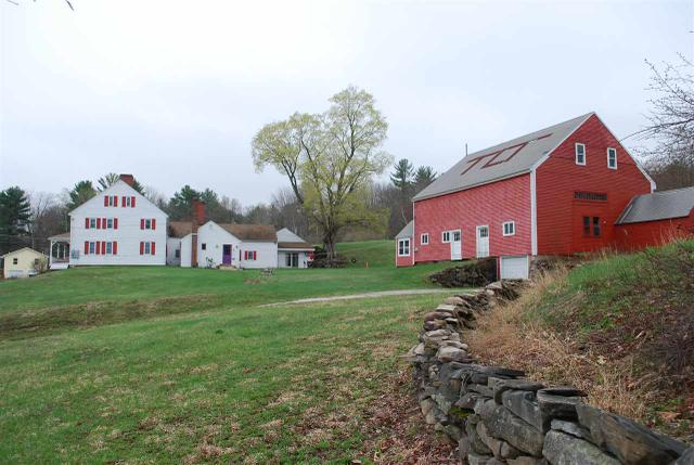 221 Old Wakefield Rd, Milton, NH 03851