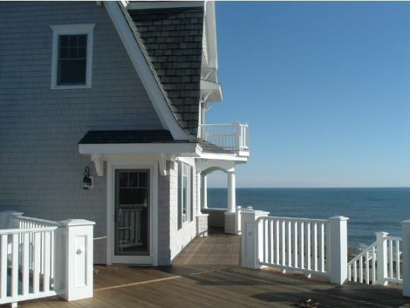 24 Boars Head Ter, Hampton, NH 03842