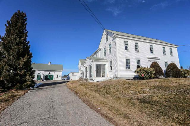 82 Newton Rd, Plaistow, NH 03865