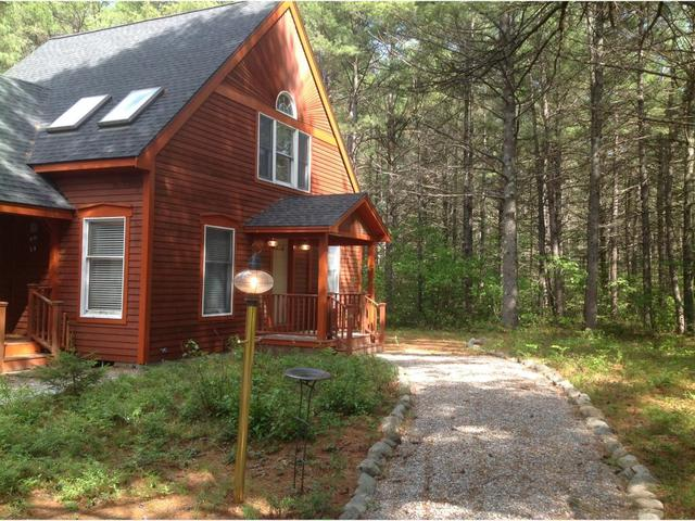 15 Aztec Dr, Ossipee, NH 03864