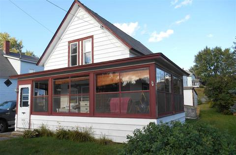 35 Middle St, Newport, NH 03773