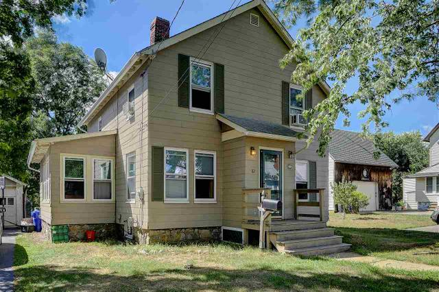 82 Forest St, Manchester, NH 03102
