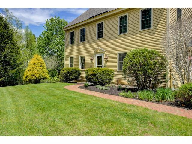 128 Carriage Rd, New Boston, NH 03070