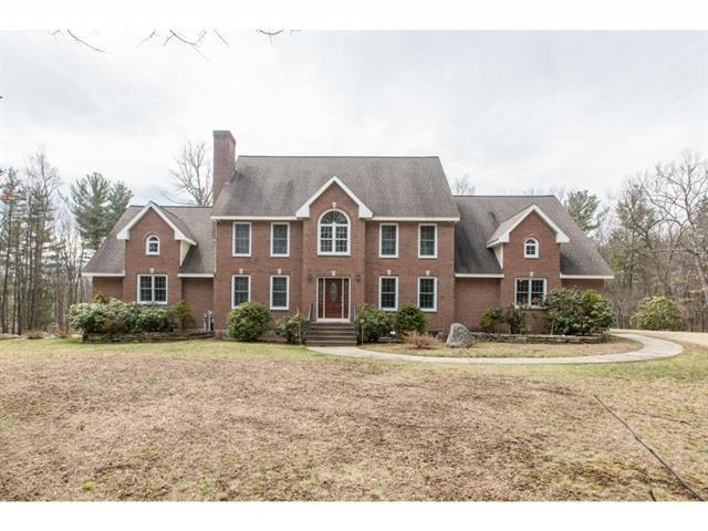 55 Maple Ave, Hampstead, NH 03841