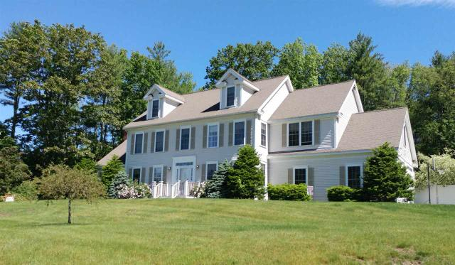 38 Robinson St, Brentwood, NH 03833